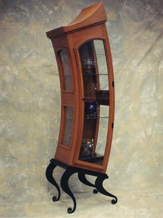 Curvy Display Case - Construction: Arthur J Stevens, Design: Bill Whelan